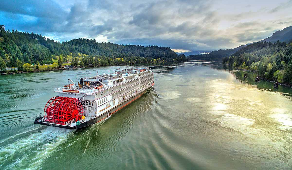 American_Queen_Steamboat_Company_PNW-1