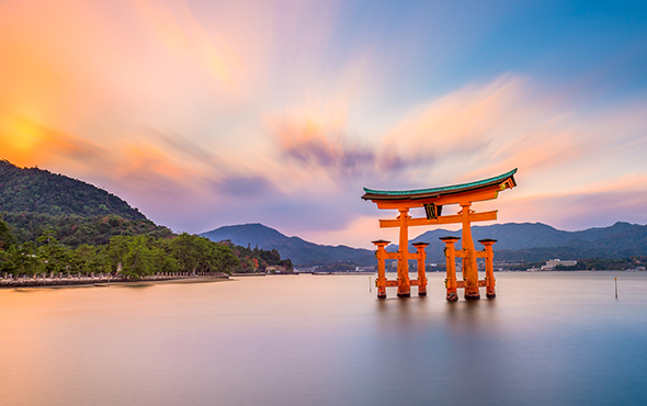 Asia-Japan-Miyajima-Itsukushima-Shrine-SR