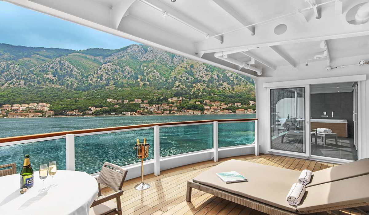 Iconic-Life-Seabourn-Ovation-2018-145-Wintergarden-Suite-1200x700-1