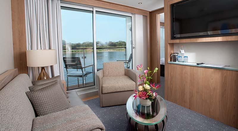 SHIP_Stateroom_Longship_VerandaSuite_Living-01_800x440_tcm21-10219