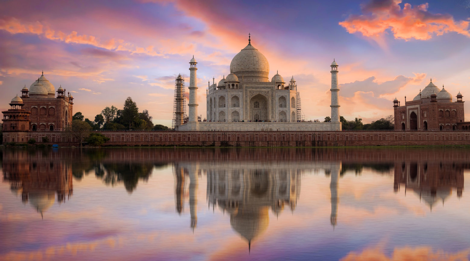 Website-Blog-Iconic-Life-Uniworld-Taj-Mahal-Shutterstock-Credit-Roop_Dey
