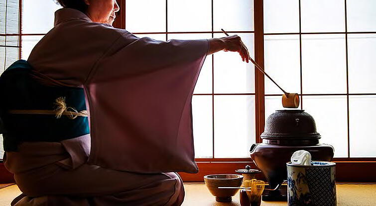 ancient-tea-ceremony-japan
