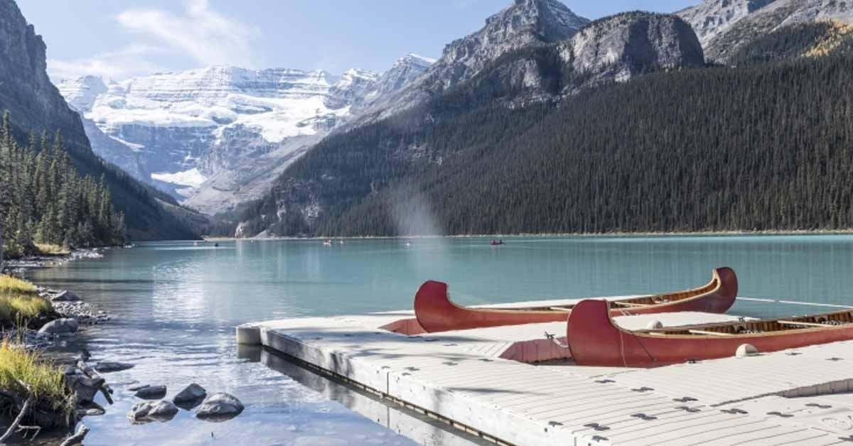 lake_louise-rocky_mountain--canoes-1200