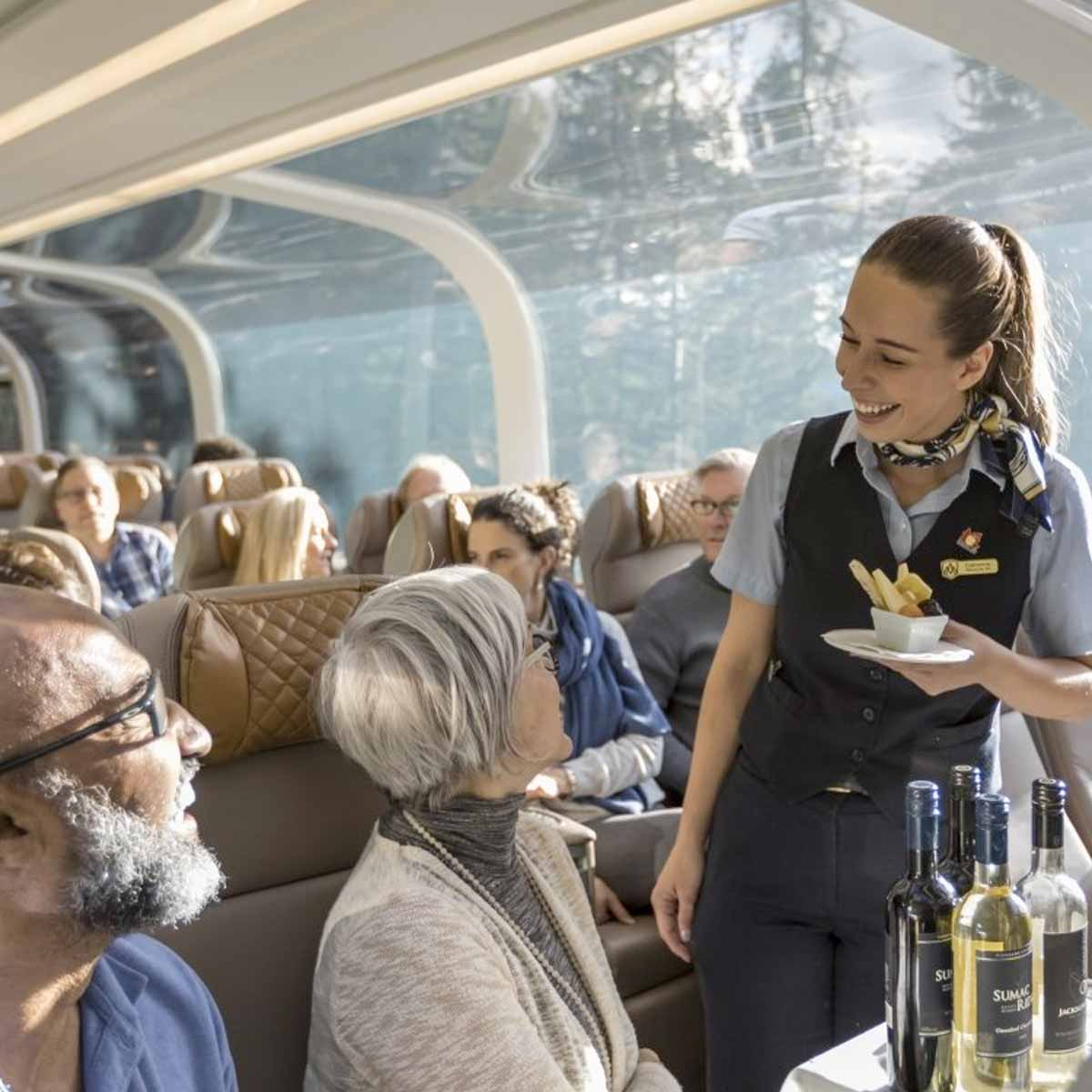 rocky-mountaineer-gold_leaf-1200