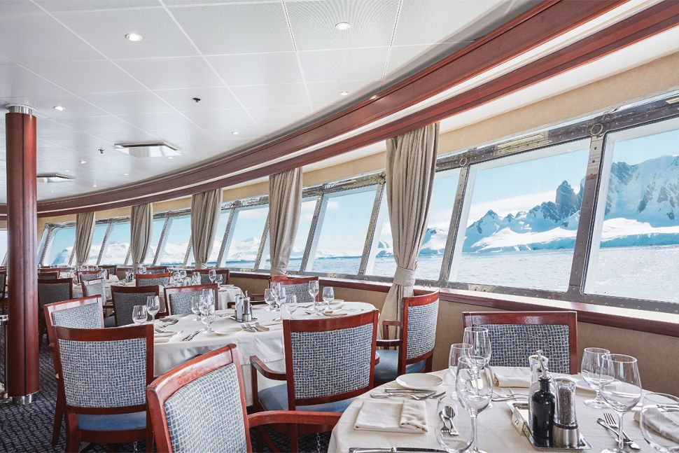 silversea-ship-silver-explorer-public-area-the-restaurant-1