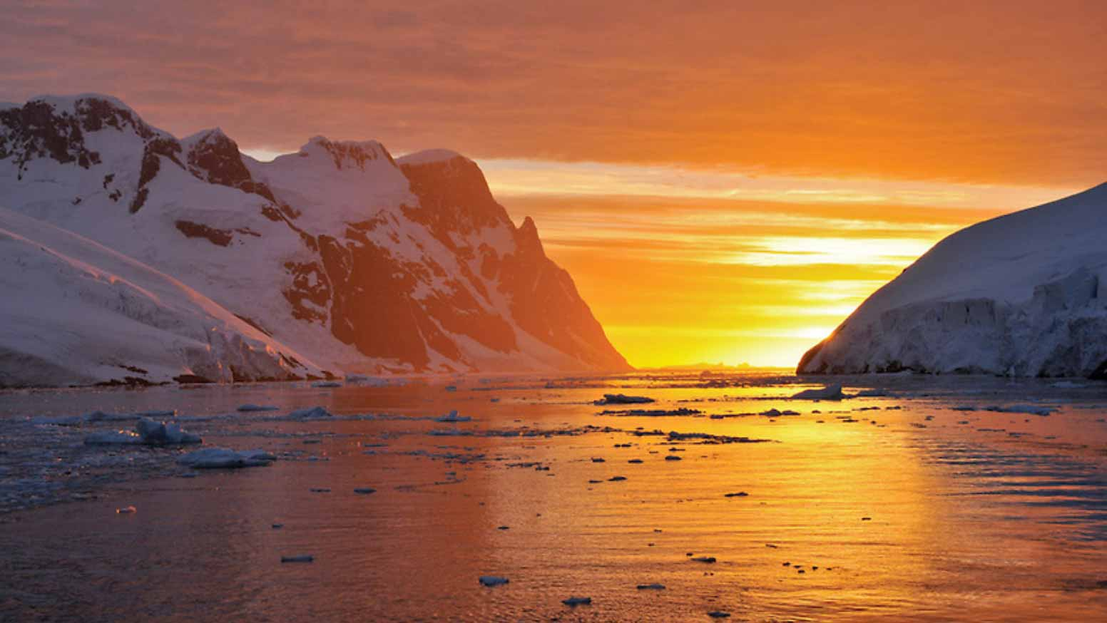 THE SILVERSEA SILVER CLOUD MAKES ITS INAUGURAL EXPEDITION TO ANTARCTICA