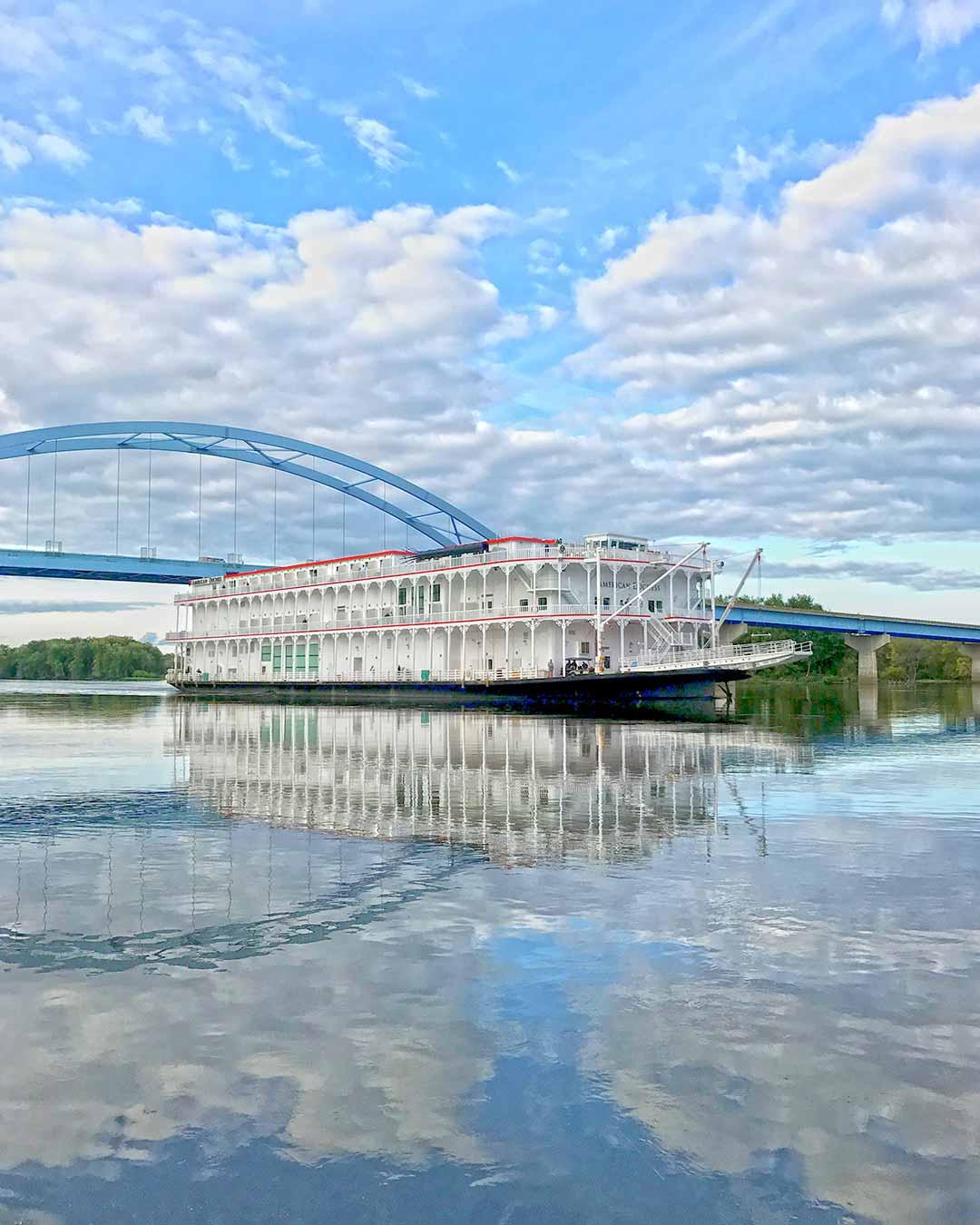 amqsb-river-boat-1080x1350