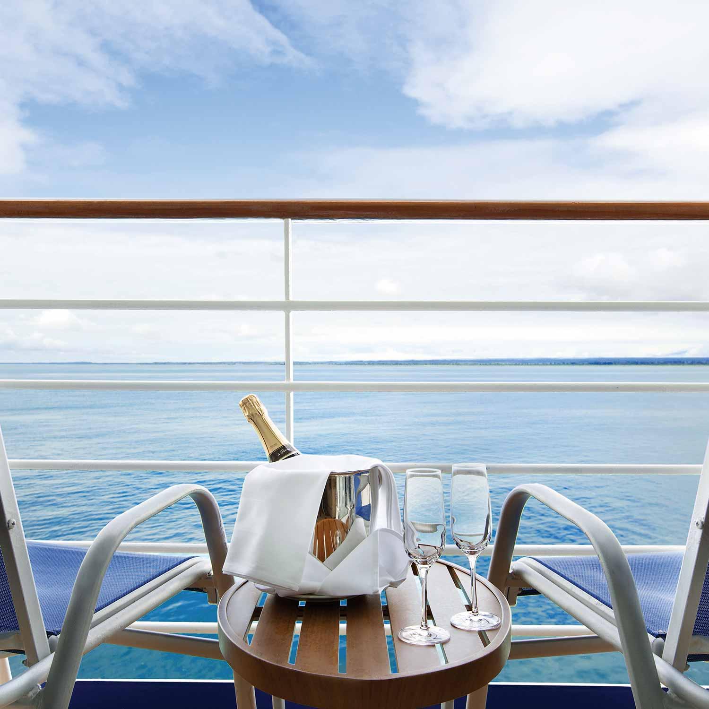 oceania-cruises-balcony-champagne-1500